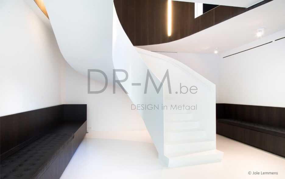 Dr m design trappen leuningen smeedwerk - Moderne betonnen trap ...